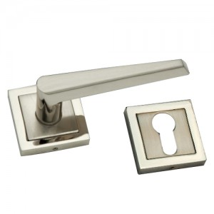 """Camon"" Zinc Handle with Rose"