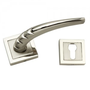 """Illyricum"" Zinc Handle with Rose"